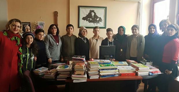 AK Parti öğrencileri kitapla buluşturuyor