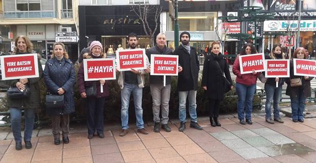 CHP'lilerden sessiz 'Hayır' eylemi