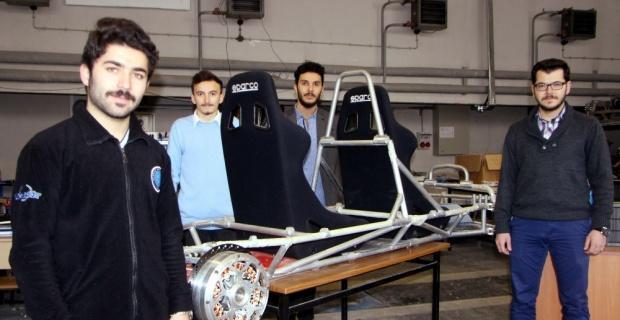Hidrojenle çalışan otomobilin motoru jantında