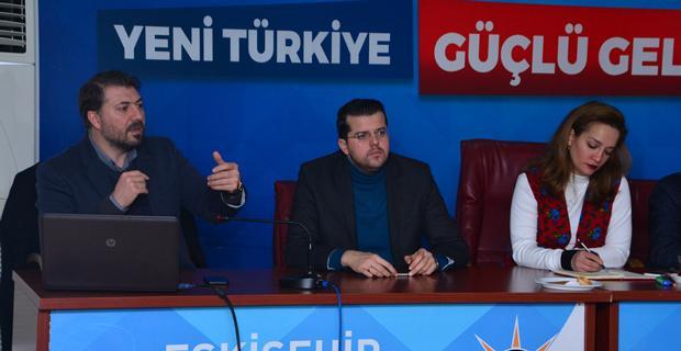 AK Parti'de mahalle birim başkanları toplandı