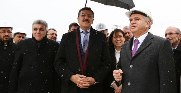 Bakan Tüfenkci fuar kongre merkezi inşaatını inceledi