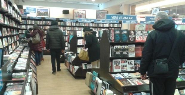 Yarıyıl tatilinde kitapçılar yoğun ilgi gördü