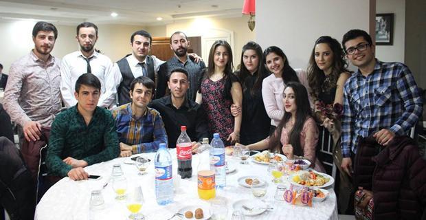 Azerilerden Nevruz kutlaması