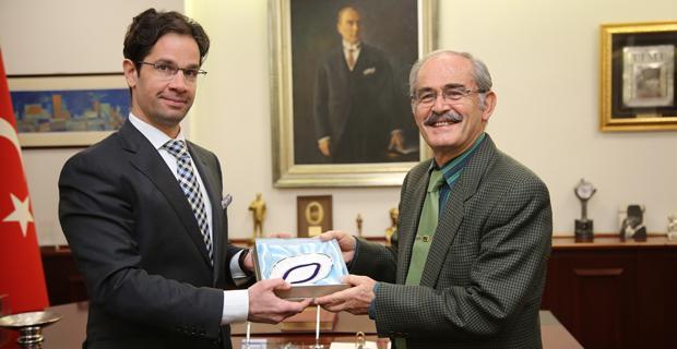 Macaristan Başkonsolosundan Büyükerşen'e ziyaret