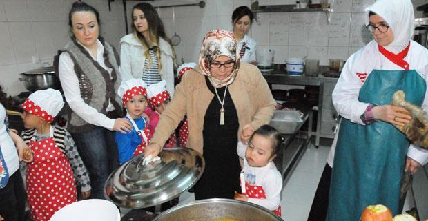 Ayten Usta'daki özel eğitim çocukları ünlü şeflere taş çıkardı