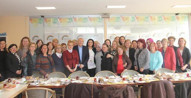 CHP'li Çakırözer'den kadınlara özel teşekkür