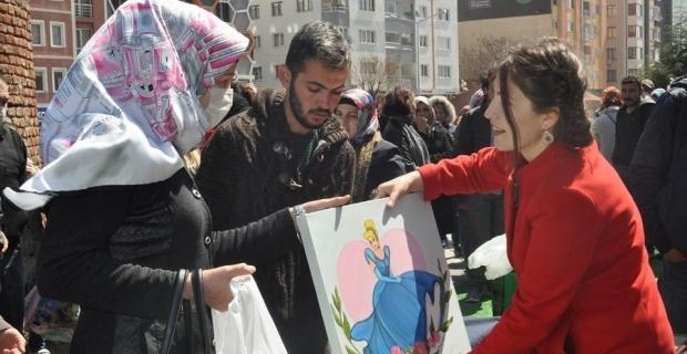 'LÖSEV İyilik Tırı' Eskişehir'de