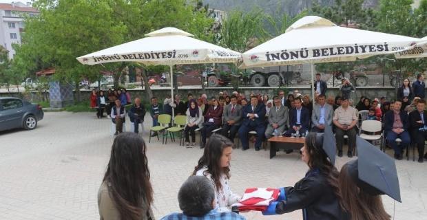 Nene Hatun'da mezun öğrenciler için tören yapıldı