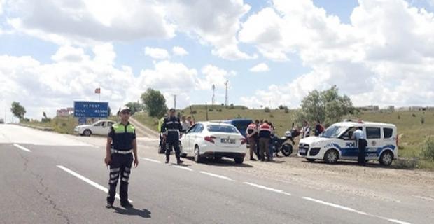 Polis ve jandarmadan yol  kontrolleri