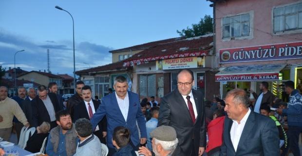 Başkan Dündar Ünlü Günyüzü'nde iftara katıldı