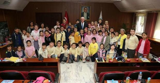 Başkan Kurt çocuklara belediyeciliği anlattı
