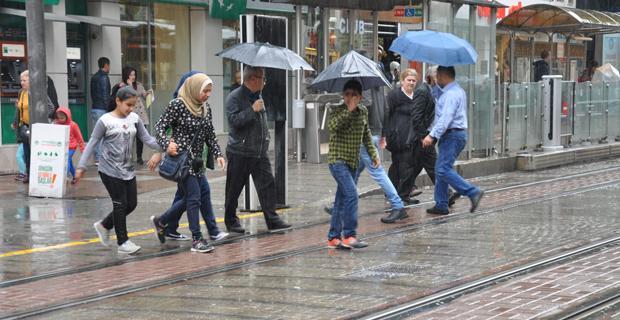 Eskişehir'de yağmur etkili oldu