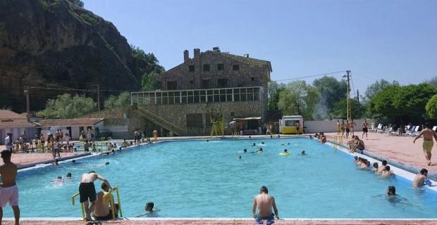Pınarbaşı havuzlarında sezonu açıldı
