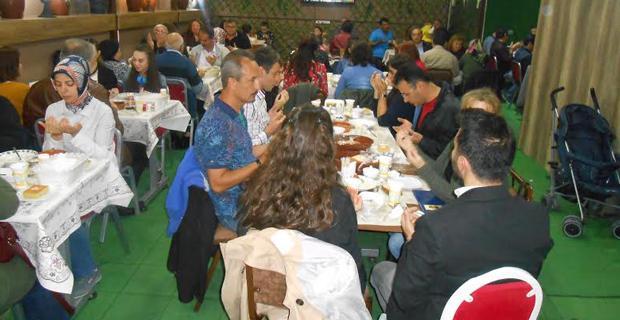 Türkav üyelerine iftar yemeği verdi