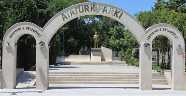 Mahmudiye'de Atatürk Parkı yenilendi