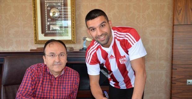 Sivasspor, Muhammet Demir ile 2 yıllık sözleşme imzaladı