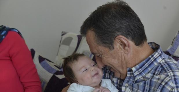 Başkan Ataç, yeni doğan bebekleri ziyaretini sürdürüyor