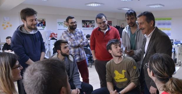Başkan Ataç'tan Eskişehir'de üniversite okumaya hak kazanan gençlere mesaj;