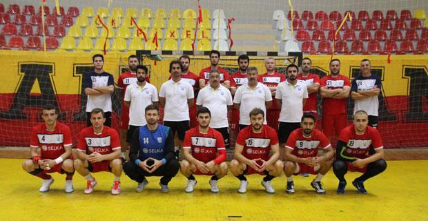 Selkaspor sezona kupayla başladı