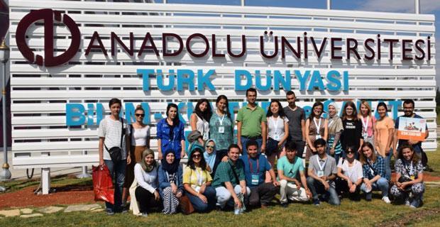 Yabancı öğrenciler Sazova'da