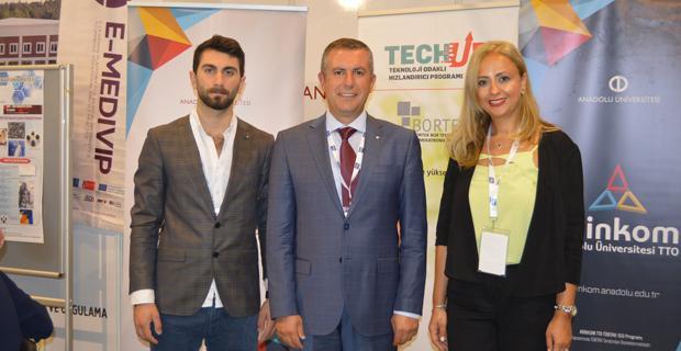 Anadolu Üniversitesi ARİNKOM TTO Teknolojileri ile 2'nci Ar-Ge İnovasyon Zirvesi'nde