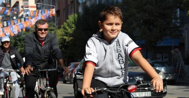 Otomobilsiz Yaşam Günün'nde bisiklet turu