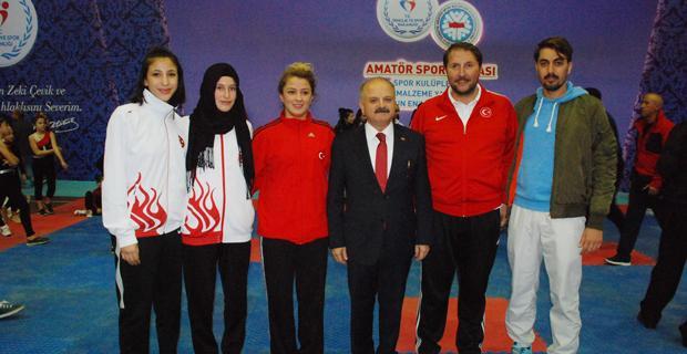 My Kolej Önder Anadolu Lisesi öğrencileri ödüllendirildi