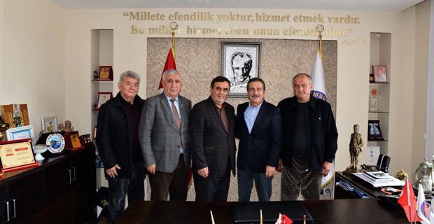 Ataç'tan Gündoğan'a geçmiş olsun ziyareti
