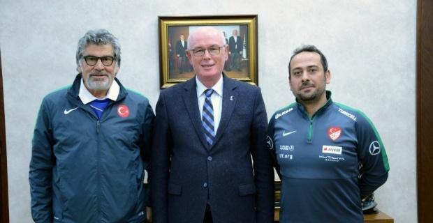 Kaner ve Özbayer'den Başkan Kurt'a ziyaret