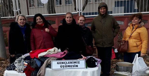 Öğrencilerin bereleri CHP'li kadınlardan