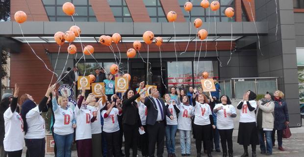Şiddete hayır balonları özgürlüğe uçtu!