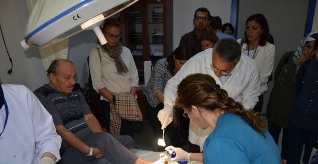 """Türkiye'nin en büyük """"Yara Bakım Kliniği""""nde geniş kapsamlı yara bakım kursu"""