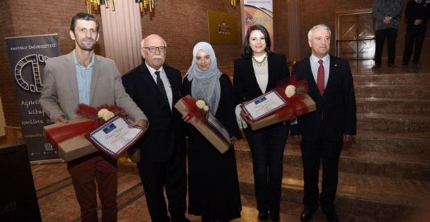 Yurt dışındaki açıköğretim öğrencilerine ödül