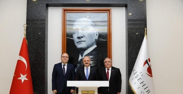 Afyonkarahisar Valisi Tutulmaz ve Kütahya Valisi Nayir, Vali Çakacak'ı ziyaret etti