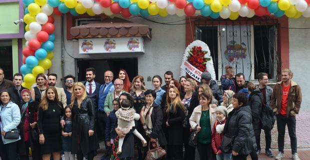 Kozmos Sanat Merkezi Açıldı