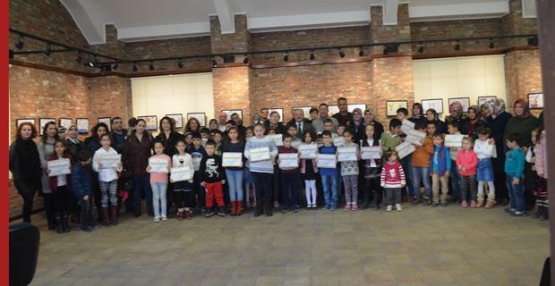 45 çocuğa sertifikaları verildi