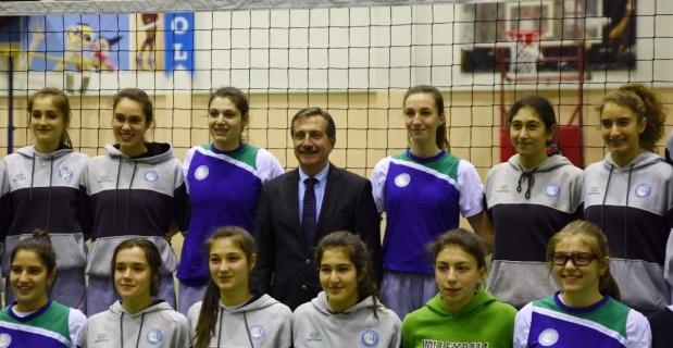 Başkan Ataç'tan başarılı sporculara ziyaret