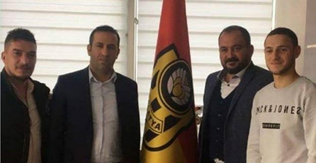 Evkur Yeni Malatyaspor 3 futbolcuyu renklerine bağladı