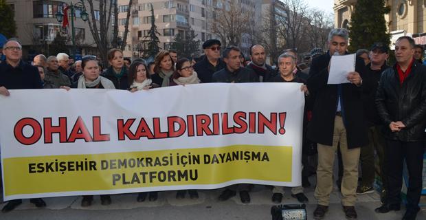 OHAL uzatılmasın, demokrasi istiyoruz