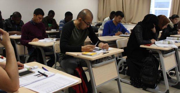 Birkaç ayda Türkçe öğreniyorlar