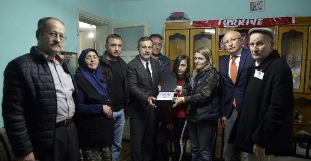 Ataç'tan şehit ailesine ziyaret