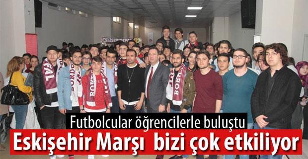 Eskişehirsporlu futbolcular öğrencilerle buluştu