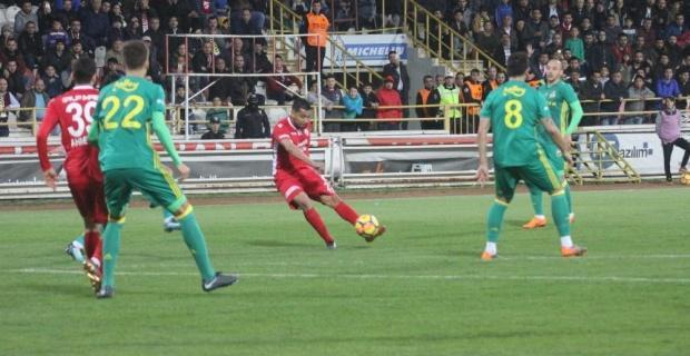 Fenerbahçe Bolu'da farklı yenildi