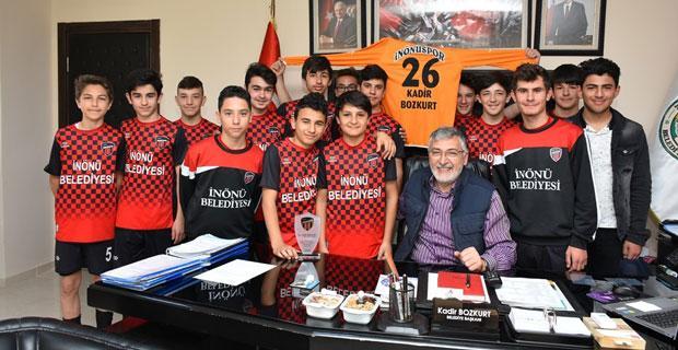 Genç futbolcularımız bizleri gururlandırdı