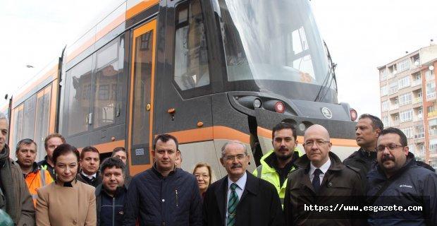 Yeni tramvayların 2. seti de geldi