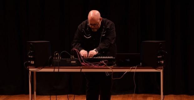 Elektronik müzik ustası Pieter Snapper Anadolu Üniversitesi'ndeydi
