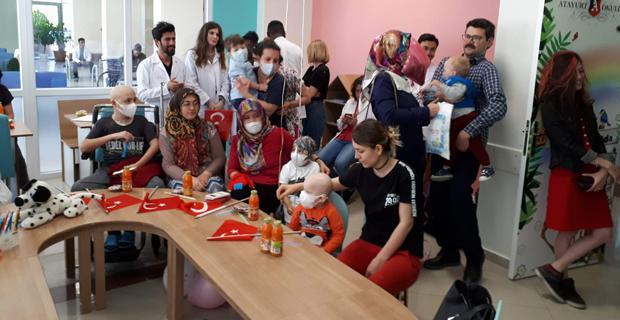 Lise öğrencilerinden Lösemili çocuklara destek