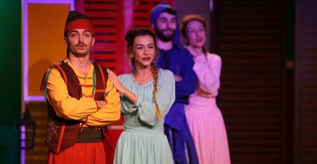Odunpazarı Belediye Tiyatrosu Nisan Ayı'nda da tiyatro severleri bekliyor
