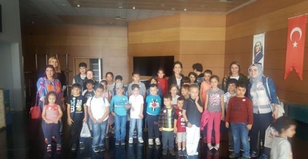 Odunpazarı Belediye Tiyatrosu özel çocukları ağırladı
