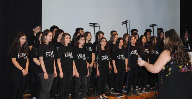 Salih Zeki Lisesi öğrencilerinden muhteşem konser